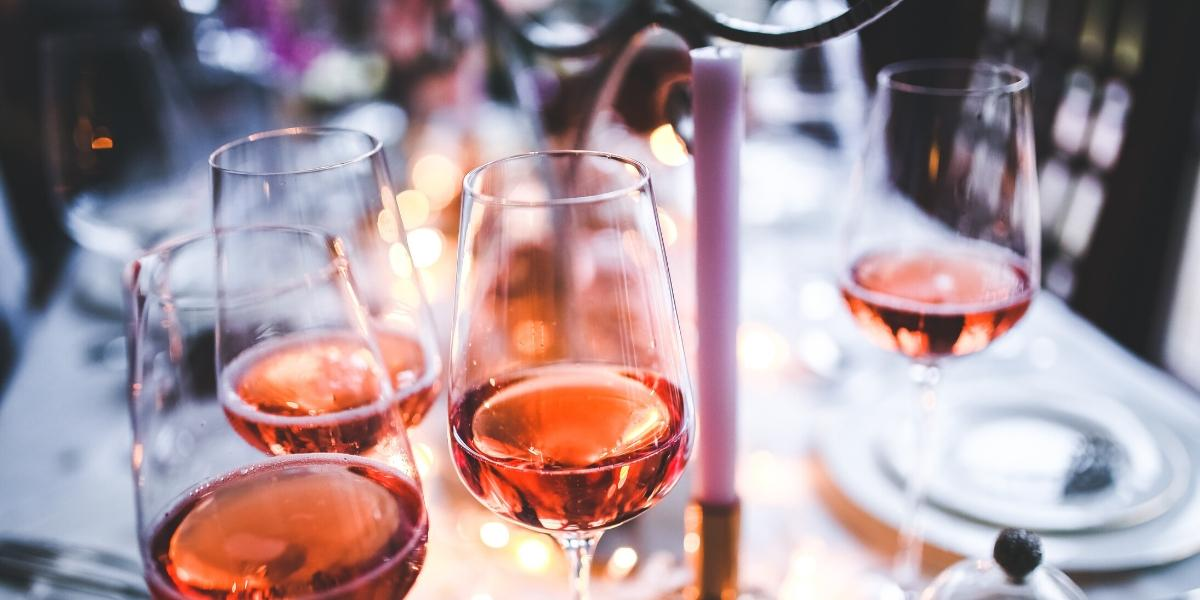 A table set with Rosé wine, one of the best Sunday brunch wine recommendations